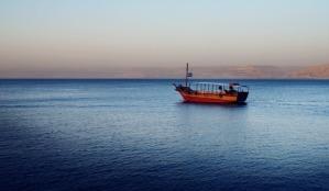 kinneret-boat